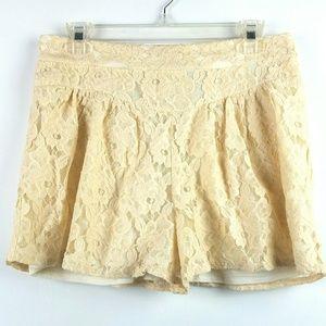 NWT Ella Moss Lace Shorts Sz Medium